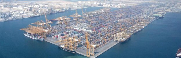 Container Crane Knocked To The Ground At Dubai  [Jebel Ali Port – 04 May 2017]